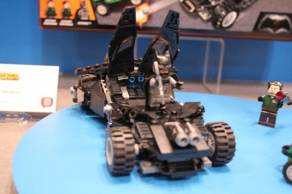 batman-vs-superman-lego-toy-fair-7