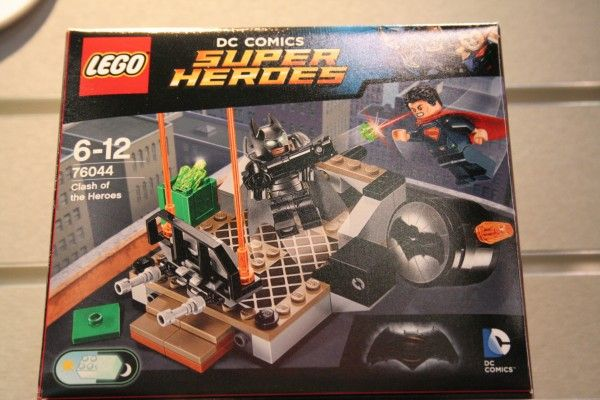 batman-vs-superman-lego-toy-fair-clash-of-heroes-1