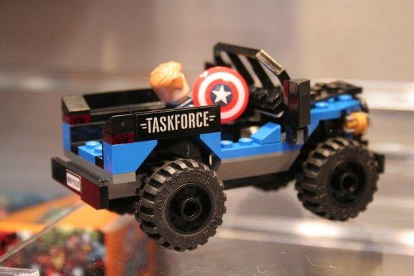 captain-america-civil-war-lego-black-panther-pursuit-5