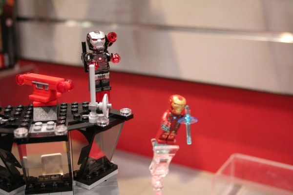 captain-america-civil-war-lego-confidential-set-4