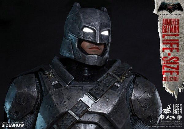 dc-comics-dawn-of-justice-armored-batman-life-size-collectible-09