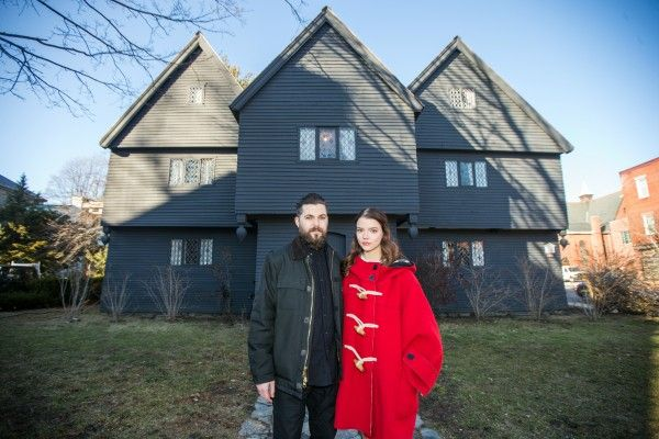 robert-eggers-anya-taylor-joy-salem-witch-house