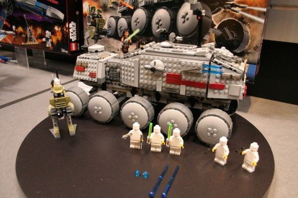 star-wars-the-force-awakens-lego-toy-fair-clone-turbo-tank-2