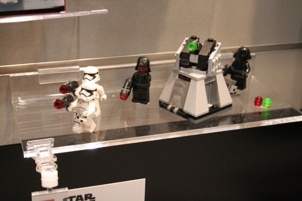 star-wars-the-force-awakens-lego-toy-fair-first-order-battle-pack-2