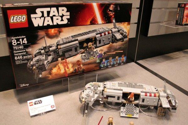 star-wars-the-force-awakens-lego-toy-fair-resistance-troop-transporterstar-wars-the-force-awakens-lego-toy-fair-resistance-troop-transporter