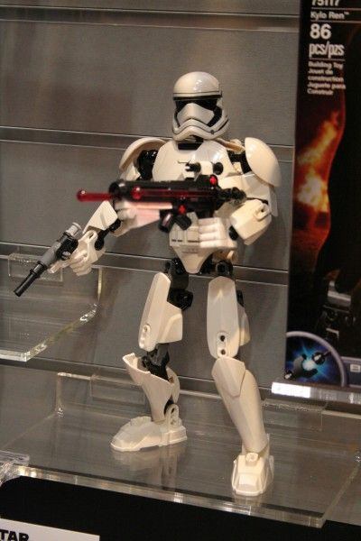 star-wars-the-force-awakens-lego-toy-fair-stormtrooper