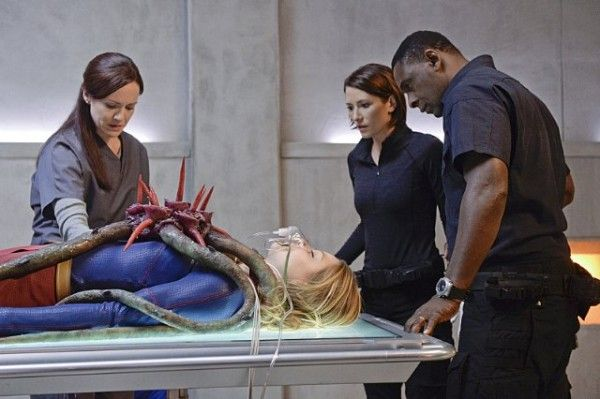 supergirl-image-for-the-girl-who-has-everything-david-harewood-melissa-benoist-chyler-leigh