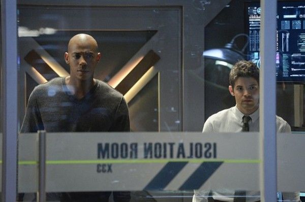 supergirl-image-for-the-girl-who-has-everything-mehcad-brooks-jeremy-jordan