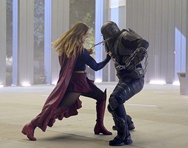 supergirl-vs-master-jailer