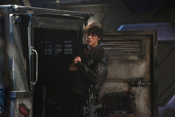 the-100-season-3-bob-morley-bellamy-image-3