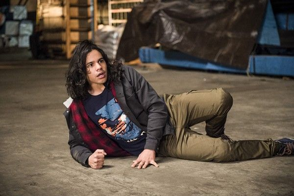 the-flash-carlos-valdes-welcome-to-earth-2