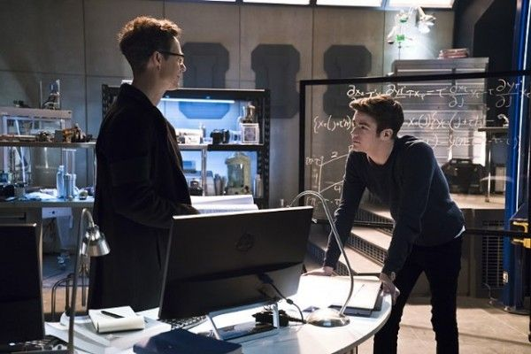 the-flash-cast-image-tom-cavanagh-grant-gustin-fast-lane