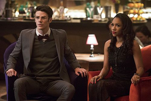 the-flash-season-2-candice-patton-grant-gustin-03
