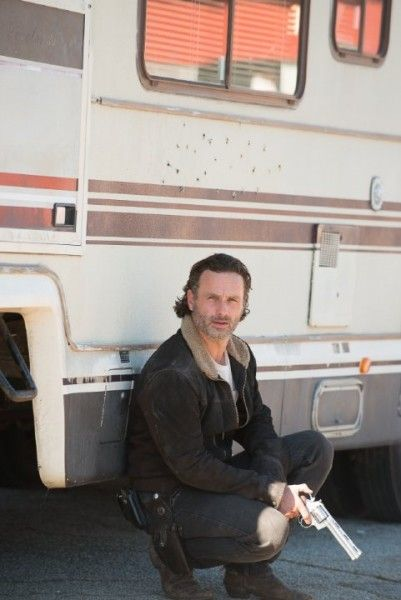 the-walking-dead-andrew-lincoln-image-knots-untie