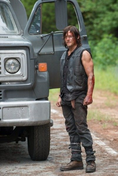 the-walking-dead-no-way-out-norman-reedus-image
