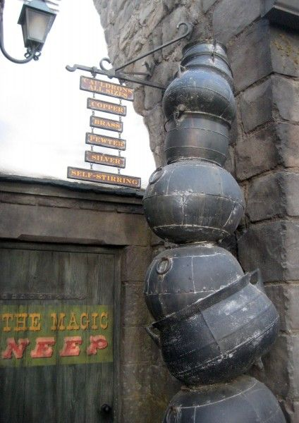 wizarding-world-of-harry-potter-cauldrons