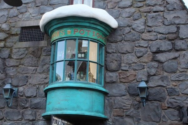 wizarding-world-of-harry-potter-hogsmeade-36