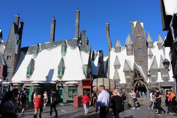 wizarding-world-of-harry-potter-hogsmeade-7