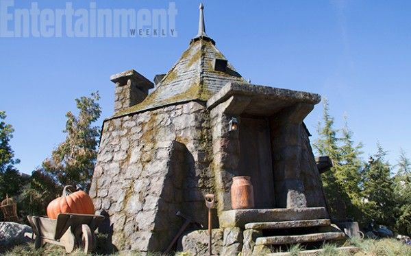 wizarding-world-of-harry-potter-hollywood-hagrids-hut