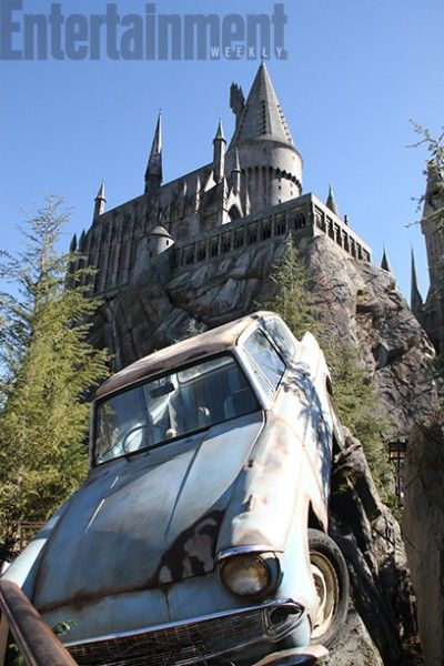 wizarding-world-of-harry-potter-hollywood-hogwarts-car