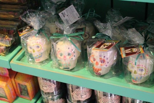 wizarding-world-of-harry-potter-honeydukes-13