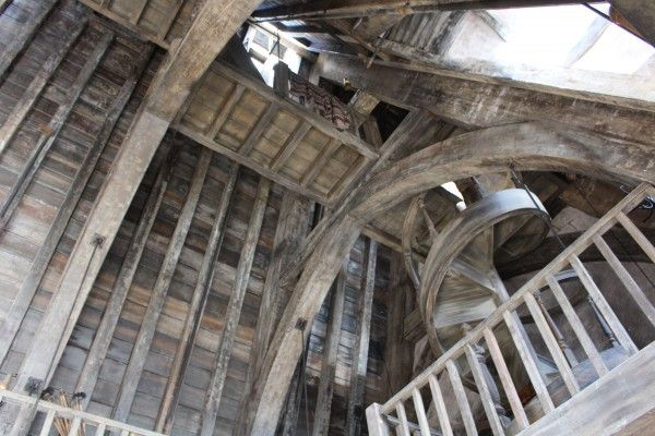 wizarding-world-of-harry-potter-three-broomsticks-14