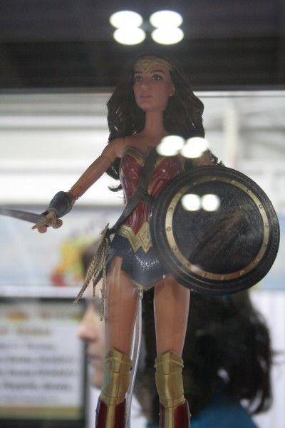 wonder-woman-figure-toy-fair