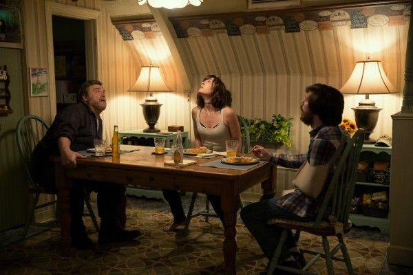 10-cloverfield-lane-john-goodman-mary-elizabeth-winstead-john-gallagher-jr