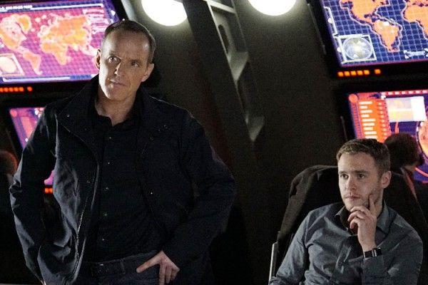 agents-of-shield-clark-gregg-iain-de-caestecker