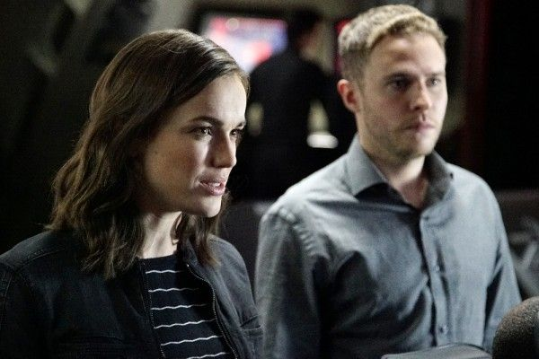 agents-of-shield-season-3-parting-shot-image-4