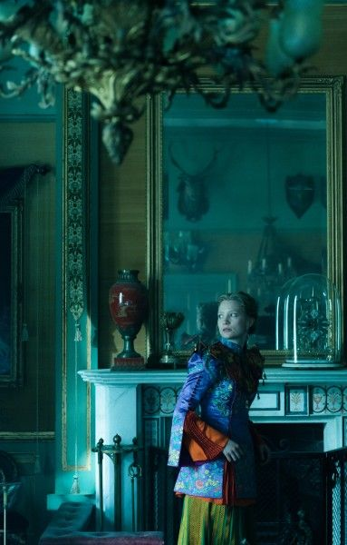 alice-través-del-looking-glass-mia-Wasikowska