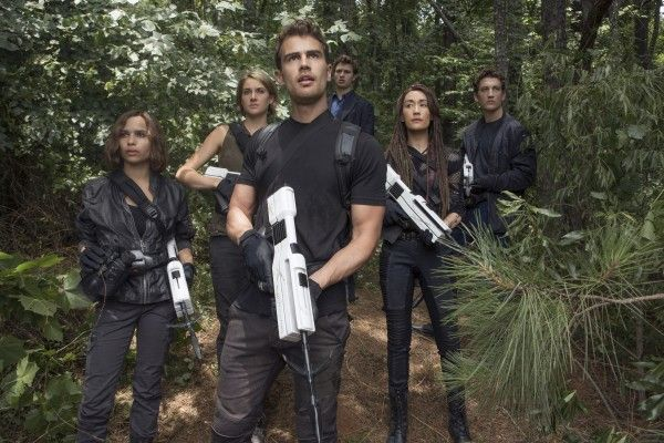 the-divergent-series-ascendant-cast