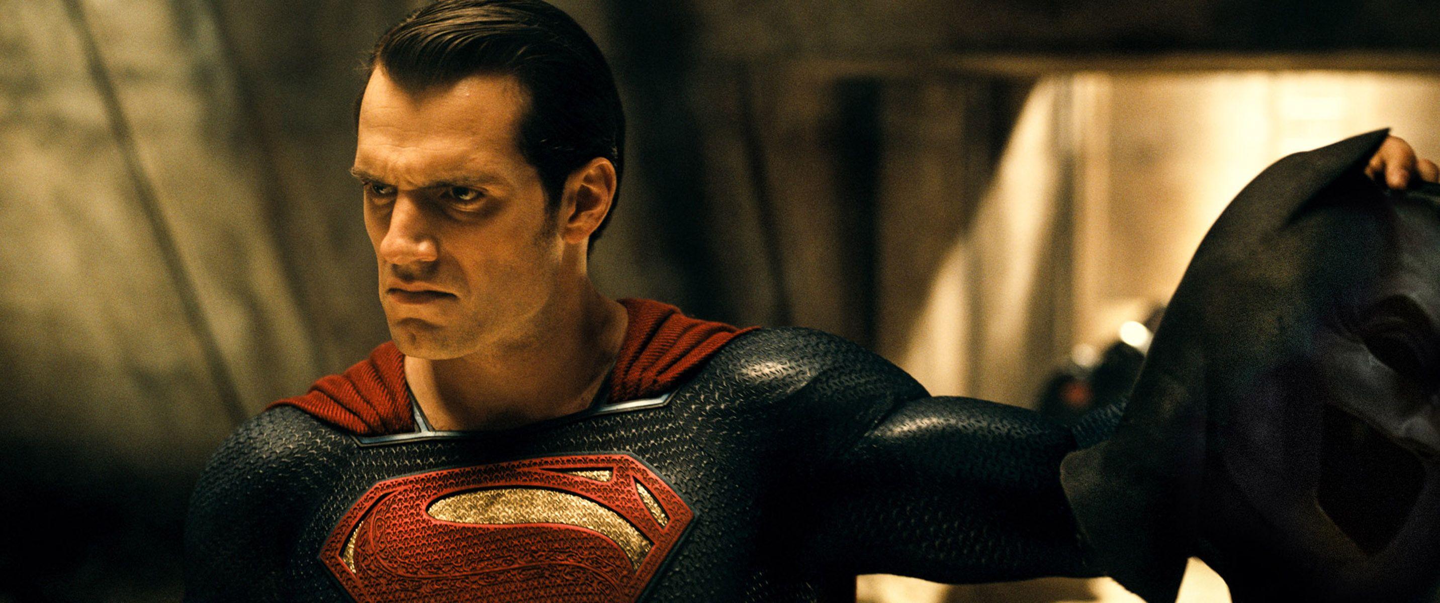 Batman v Superman: Batman's Dream Sequences Explained ...