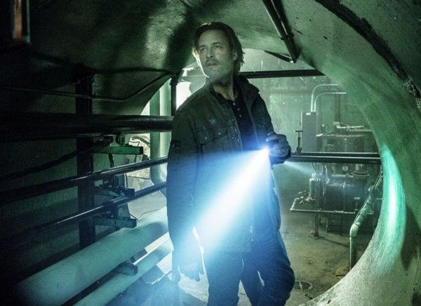 colony-josh-holloway-01