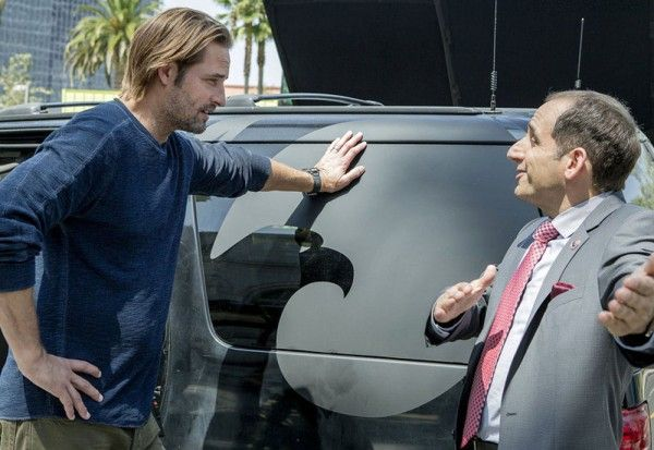 colony-peter-jacobson-josh-holloway