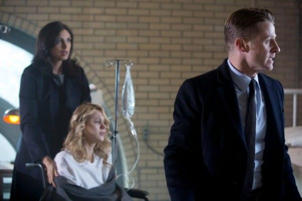 gotham-morena-baccarin-kristen-hager-ben-mckenzie-image-a-dead-man-feels-no-cold