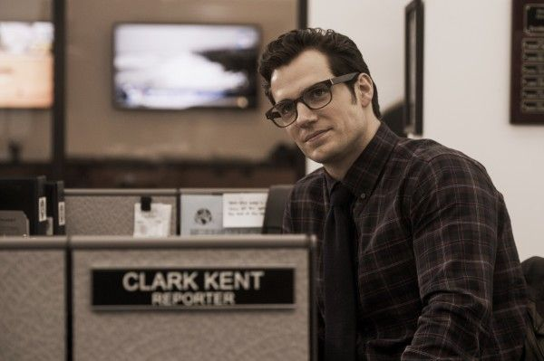 henry-cavill-clark-kent-man-of-steel-2