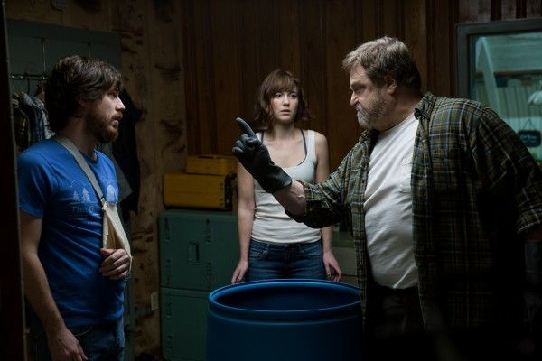 john-goodman-mary-elizabeth-winstead-john-gallagher-jr-10-cloverfield-lane