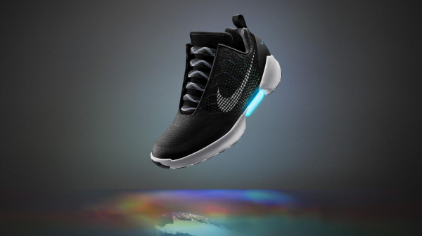nike-self-lacing-sneakers-back-to-the-future