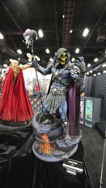 sideshow-collectibles-wondercon-booth (1)