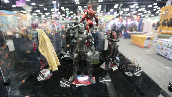 sideshow-collectibles-wondercon-booth (15)
