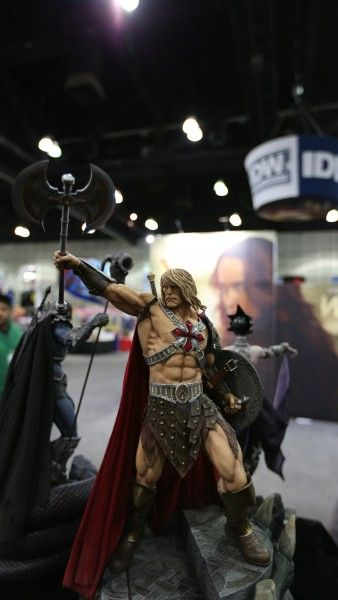 sideshow-collectibles-wondercon-booth (4)