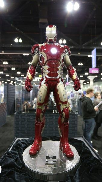 sideshow-collectibles-wondercon-booth (8)