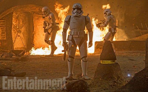 star-wars-the-force-awakens-deleted-scenes-finn-stormtrooper
