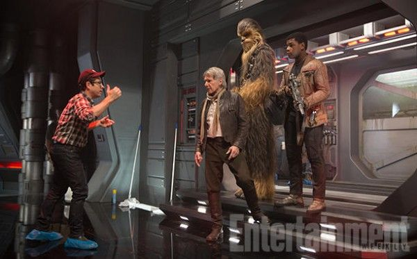 star-wars-the-force-awakens-deleted-scenes-jj-abrams-harrison-ford-john-boyega-peter-mayhew