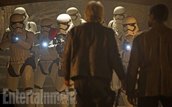 star-wars-the-force-awakens-deleted-scenes-stormtroopers