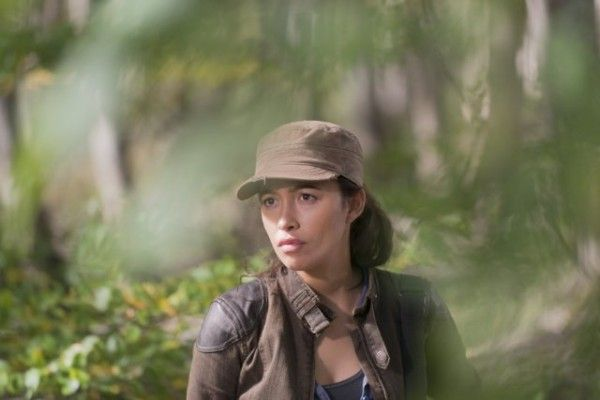the-walking-dead-recap-east-christian-serratos