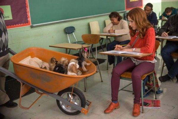 unbreakable-kimmy-schmidt-season-2-image-ellie-kemper-puppies