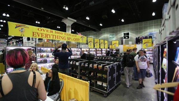 wondercon-2016-convention-floor-image (45)