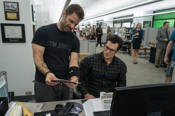 zack-snyder-henry-cavill-batman-vs-superman